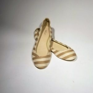 New WOT - Wanted Cream and Tan Flats - Size 8.5